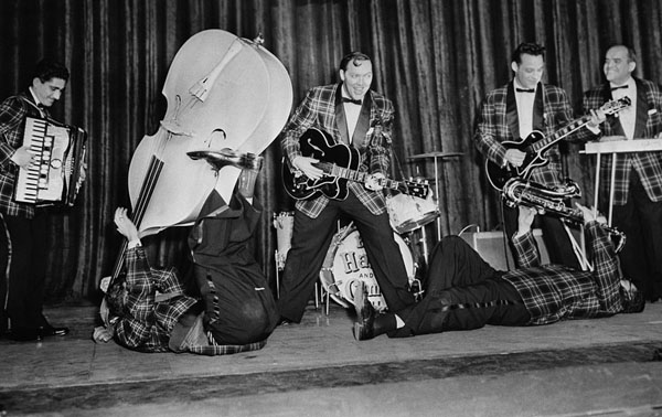 Bill Haley and HIs Comets See You Later Alligator